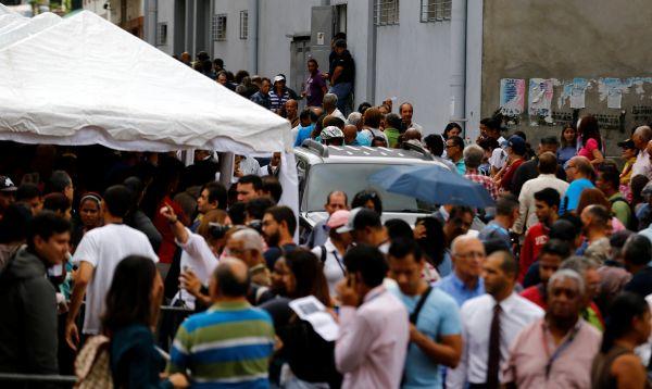 Venezuela: opositores validan firmas para activar referendo revocatorio contra Nicolás Maduro - Noticias de estadio nacional