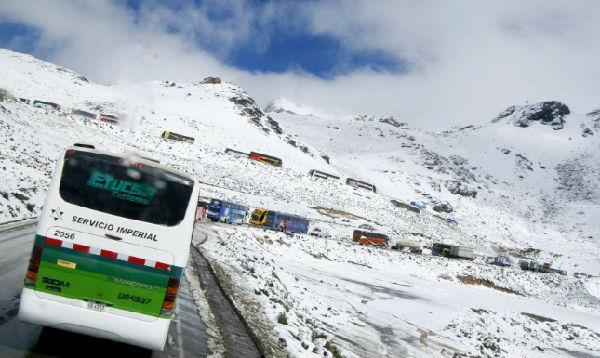 Fuerte nevada bloqueó la Carretera Central por nueve horas - Noticias de lluvias intensas