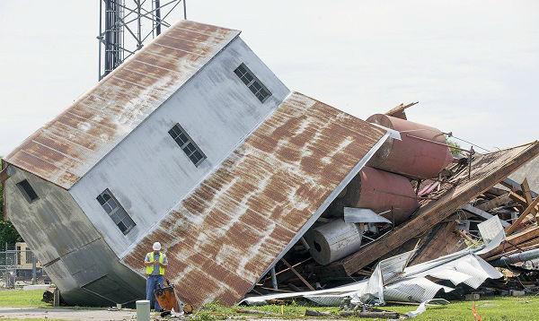 EEUU: tornado en Kansas arrasó viviendas de madera - Noticias de viviendas