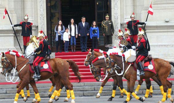 Humala encabezó su último cambio de guardia dominical en Palacio de Gobierno - Noticias de nayra humala