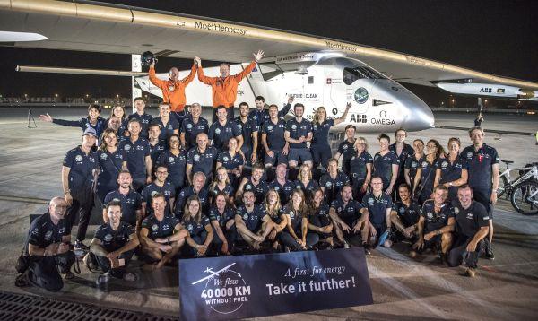 Avión a energía solar completó su histórica vuelta al mundo en Abu Dabi - Noticias de solar impulse 2