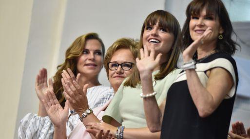 Esposa e hijas de Pedro Pablo Kuczynski escucharon Mensaje a la Nación en el Congreso - Noticias de congreso de la republica