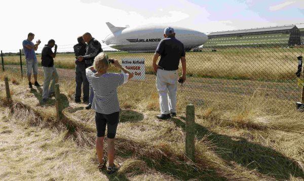 Zepelín más largo del mundo se estrella durante vuelo de prueba en Inglaterra - Noticias de twitter