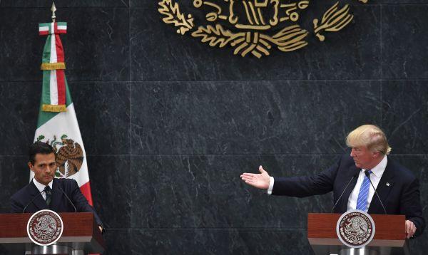 Trump a Peña Nieto: EE.UU. tiene derecho a construir muro fronterizo - Noticias de problemas limítrofes