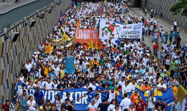 Oposición venezolana comienza marcha para exigir revocatorio contra Maduro - Noticias de jose castillo