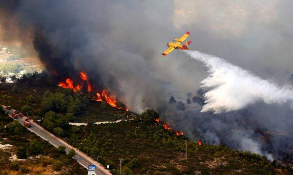 Más de mil desalojados por un incendio en la Costa Blanca española - Noticias de carlos valencia