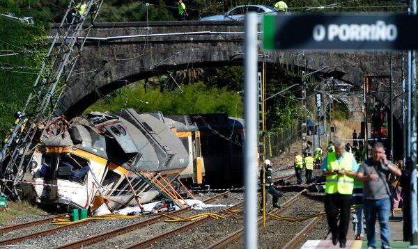 España: tren se descarrilla dejando cuatro muertos y varios turistas heridos - Noticias de jesus galicia