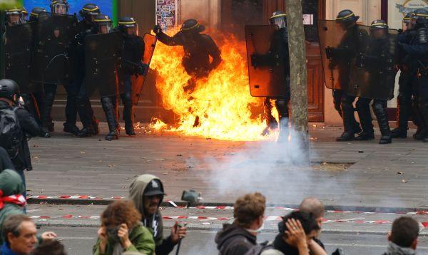 Seis heridos en manifestaciones contra reforma laboral en París - Noticias de molotov