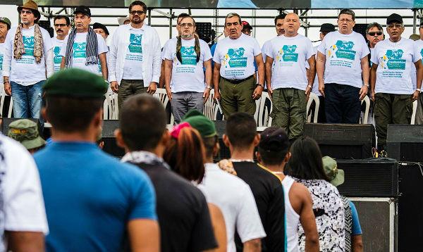 Colombia: las FARC debaten acuerdo de paz en inédita conferencia pública - Noticias de sabana santa