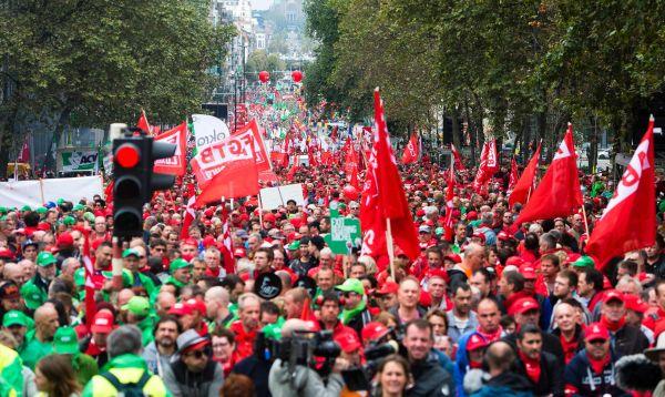 Miles de manifestantes en Bélgica contra medidas económicas del gobierno - Noticias de transporte