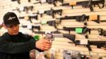 """Informe destaca """"debilidades"""" del control de venta de armas personales en EE.UU. - Noticias de antecedentes penales por internet"""