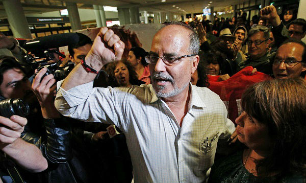 Chile: familiares recibieron a Castillo Petruzzi, ex líder del MRTA, tras cumplir condena en Perú - Noticias de empresarios