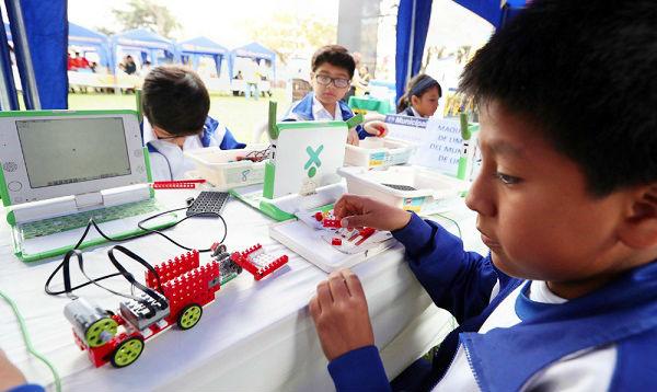 Escolares exponen en Lima sus prototipos de robótica - Noticias de parque de la exposicion