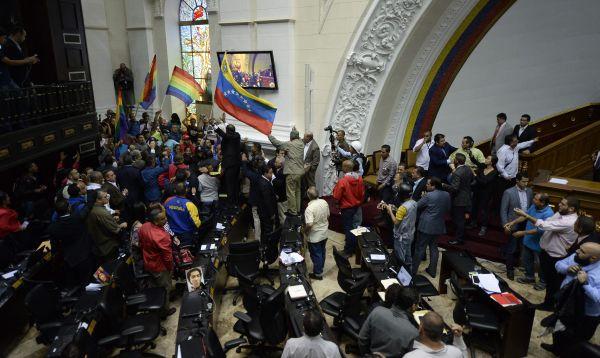 """Parlamento llama a venezolanos a defender democracia ante """"golpe"""" en Venezuela - Noticias de nicolas maduro"""