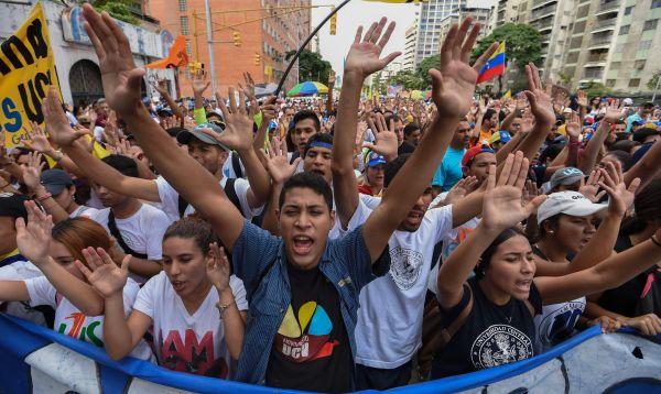 """Opositores """"toman"""" Venezuela para presionar por un cambio de Gobierno - Noticias de crisis politica"""