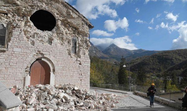 Italia conmocionada evalúa los daños tras fuerte terremoto en el centro del país - Noticias de milagros casas