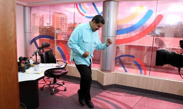 """Maduro estrenó programa de salsa mientras era esperado para """"juicio"""" - Noticias de cilia flores"""