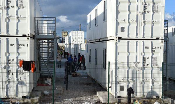 Francia traslada a más de 1,600 menores abandonados de ex campo de refugiados de Calais - Noticias de tiendas paris