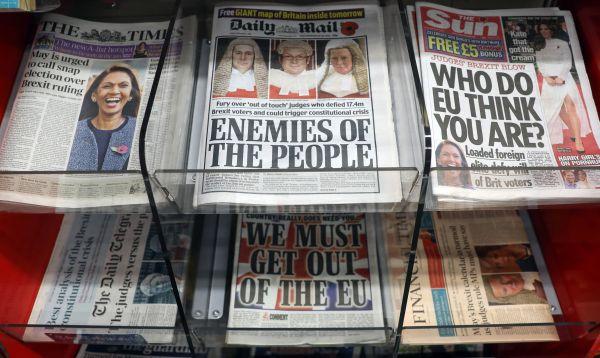 Prensa británica arremete contra  'los enemigos del pueblo' tras decisión sobre el Brexit - Noticias de portada