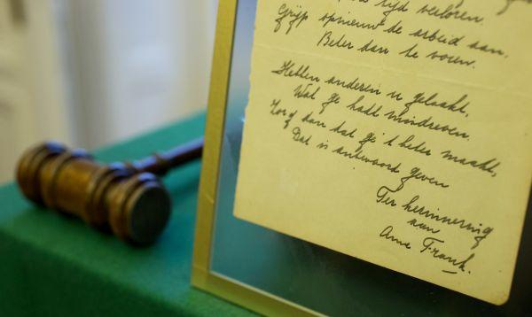 Venden poema firmado por Ana Frank por casi US$ 150,000 - Noticias de frank senftleben