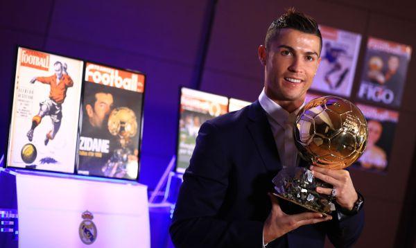 Cristiano Ronaldo 'se baña' en oro por cuarta vez - Noticias de cristiano ronaldo