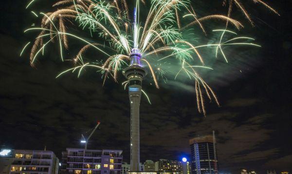 Estados del Pacífico Sur y Nueva Zelanda fueron los primeros en recibir el 2017 - Noticias de población