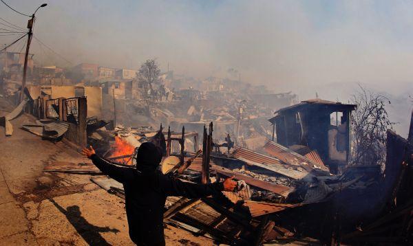 Gigantesco incendio afecta 100 casas en ciudad chilena de Valparaíso - Noticias de patrimonio de la humanidad