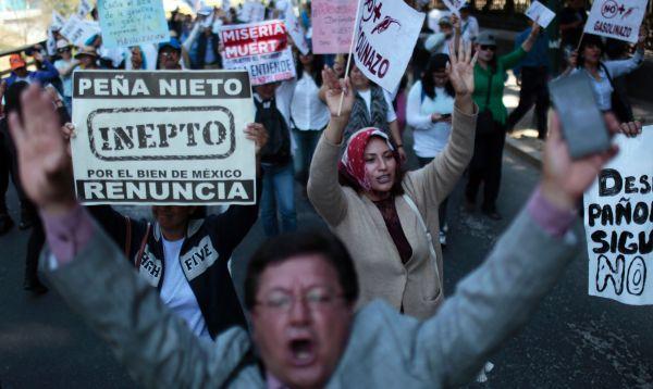 Un policía muerto y más de 500 detenidos en protestas por gasolinazo en México - Noticias de muere atropellado