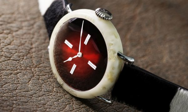 Un relojero suizo crea un reloj de queso - Noticias de empresas