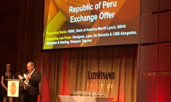 Perú recibe dos premios internacionales de LatinFinance por Operación de Administración de Deuda realizada en el 2016 - Noticias de economía global