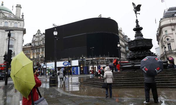Pantallas gigantes de Piccadilly Circus de Londres estarán apagadas hasta fin de año - Noticias de pie grande