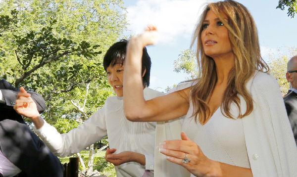 Melania Trump deslumbra junto a esposa de mandatario japonés